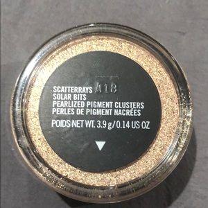 MAC Cosmetics Solar Bits-Scatterrays